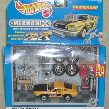 "Hot Wheels ""Mechanix"" - '68 BOSS Mustang - Model Cars"