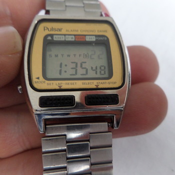 Pulsar gaming watch (space attack game)Y765 - Wristwatches