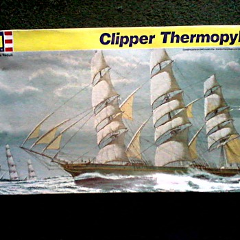 """Revelle"" Ship Model 1:96 Scale (box misprint as 1:70) /"" The Clipper Ship Thermopylae"" Kit #5622/ Circa 1988 - Toys"