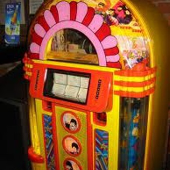 Yellow Submarine Jukebox NEW STILL IN BOX - Music Memorabilia