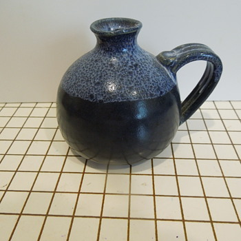 Unis (??) Pottery Vase