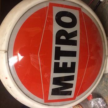 Super rare metro oil company gas globe - Advertising