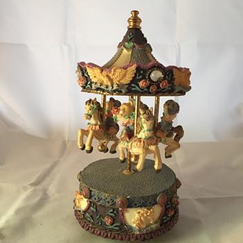 carousel house with bears music box - Music Memorabilia