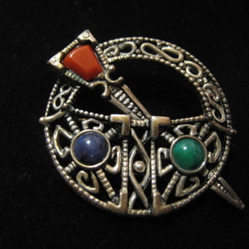 Vintage  Miracle Irish Brooch  Signed SOL D'OR -  - Fine Jewelry