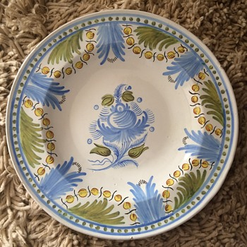 Spongeware? hand-thrown large plate