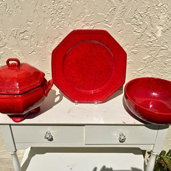Mid Century Italian Pottery Atomic Red Mottled Black Raymor Bitossi ? - Pottery