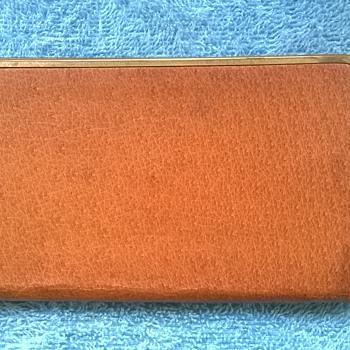 1967-vintage leather cigarette case. - Tobacciana