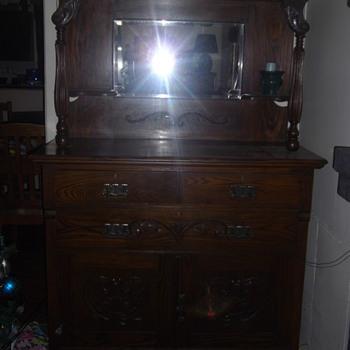 dresser/mirror - Furniture
