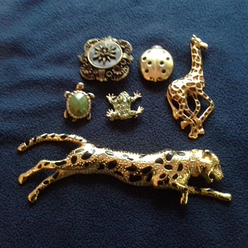 Vintage Costume Jewelry (From Mom' s Collection) - Costume Jewelry