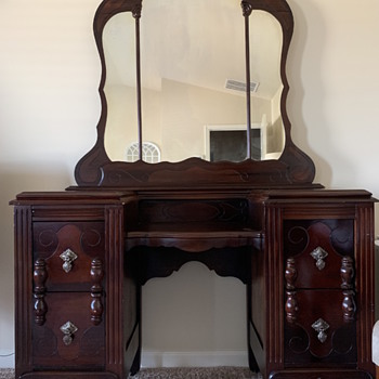 Antique and Vintage Dressers | Collectors Weekly