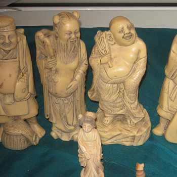Ivory figures - Asian