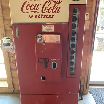 Vendo coke machine - Coca-Cola
