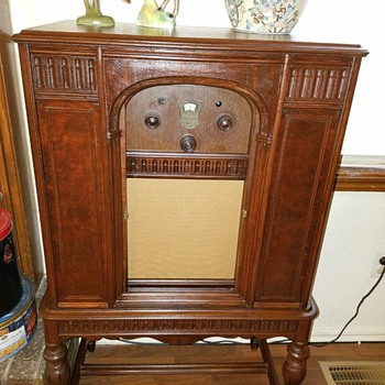1928 Atwater Kent Model 70 Radio Cabinet/ Model 50 Radio Restored - Radios