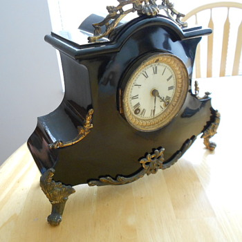 Need Help Identifying Antique Clock - Clocks