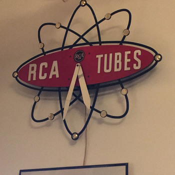 RCA Tubes electric wall clock - Clocks