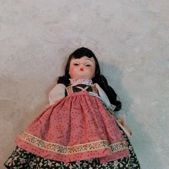 MADAME ALEXANDER DOLL - Dolls