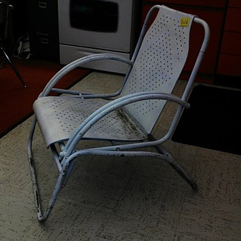 Unknown maker Patio Chair.. I just bought the set..