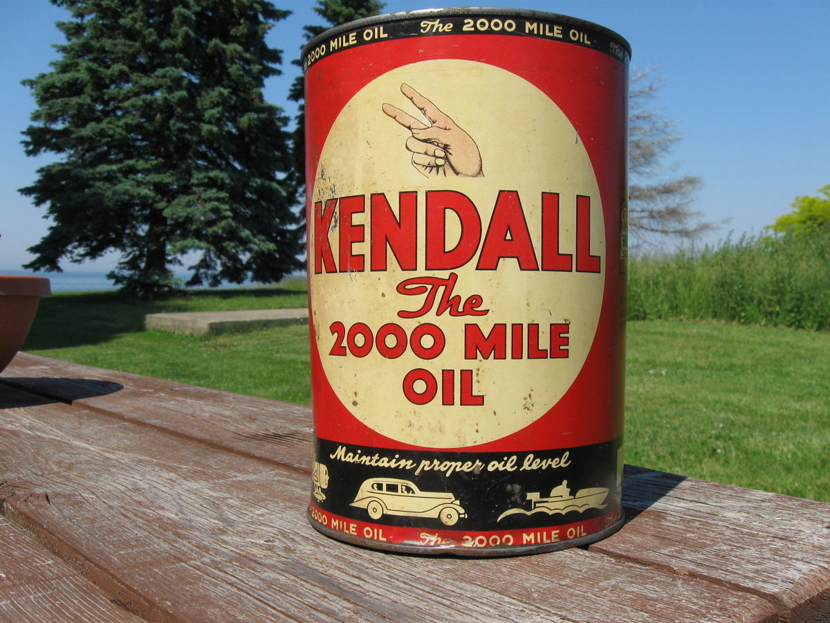 Kendall 5 Qt oil can 1940 | Collectors Weekly