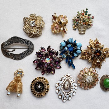 ....More Brooches - Fine Jewelry