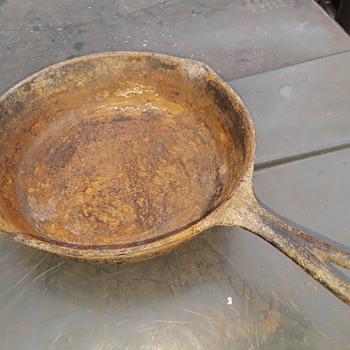 cast iron skillet - Kitchen