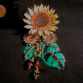 """Lunch At The Ritz"" -Seeded Sunflower- /Brooch-Pendant Combo /24K Gold Plated /Circa 1992 - Costume Jewelry"