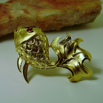 Trifari Kissing Fish Brooch - Costume Jewelry