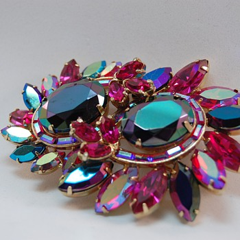 Hollycraft navette rhinestone brooch - Costume Jewelry