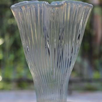 Gullaskruf Reffla Vase 1952 - Art Glass