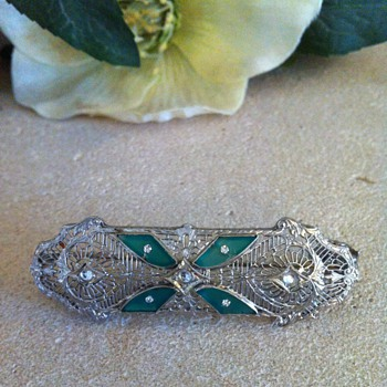 Filigree brooch/pendant combo. - Fine Jewelry