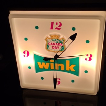 VINTAGE CANADA DRY  WINK ADVERTISING LIGHT UP SIGN & CLOCK! - Advertising