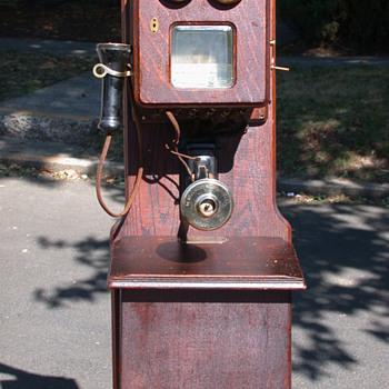 wall phone  - Telephones