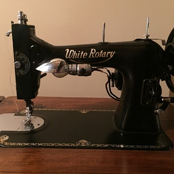 Vintage White Rotary Sewing machine