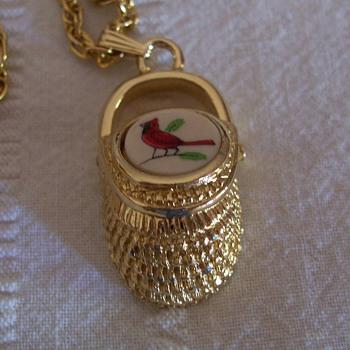 Nantucket basket pendant - Costume Jewelry