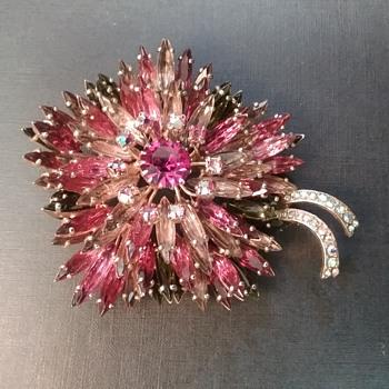 Hobe 'Melange Bouquet' - Costume Jewelry