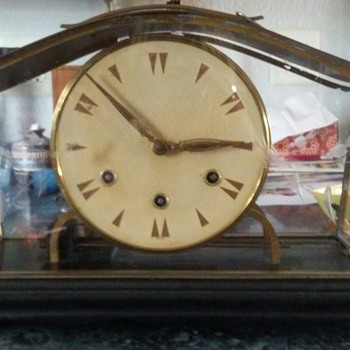 Any body know anything about this clock? It has no name or date. Just says germany - Clocks