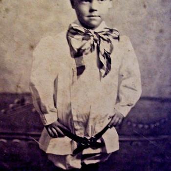 1900 BOYS FASHIONS, THE TUNIC & SHORT PANTS FASHION STATEMENT