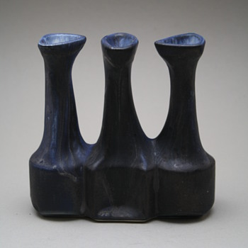 Loré, Beesel, the Netherlands. Designed by Matt Camps 1970s. marked B88 - Pottery