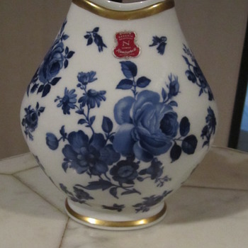 BavariaWaldershof Germany Vase. Cobalt Blue Floral & 22K Gilt Gold - Pottery