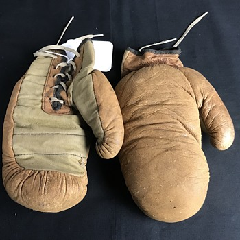 Winchester  1920's  kid boxing gloves  - Advertising