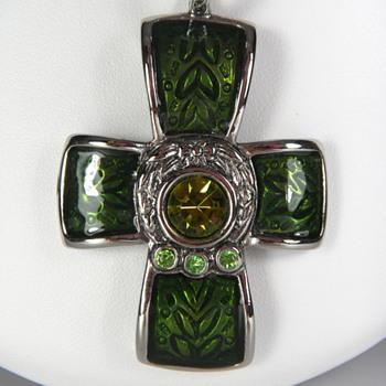 Basse Taille Enamel Cross Pendant