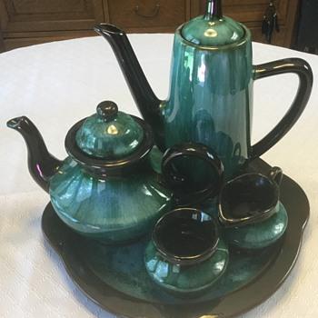 "Blue Mountain Pottery, ""Aladdin"" Tea & Coffee Set — Green Drip - Pottery"