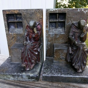 "Pair of antique metal ""reading monks"" bookends. Info needed. Rare - Books"