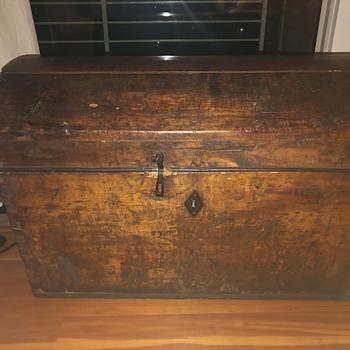 Trunk Civil War Era - Furniture