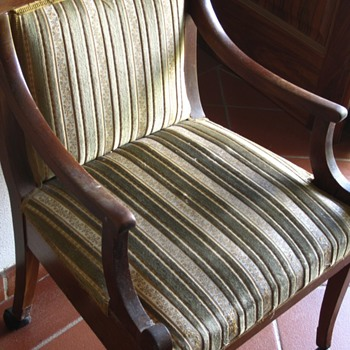 help identifying armchairs? - Furniture