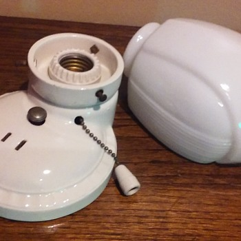 small white ceramic/milk glass PORCELIER light fixture - Lamps