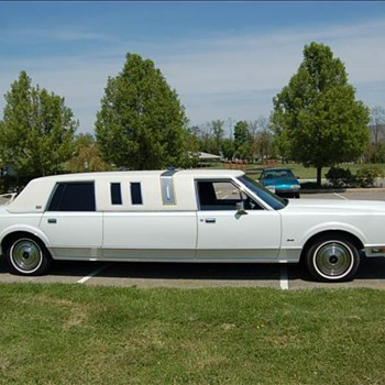 1985 Lincoln Town Car limo