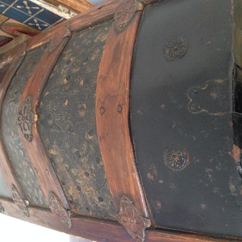 Antique camel back trunk - Furniture