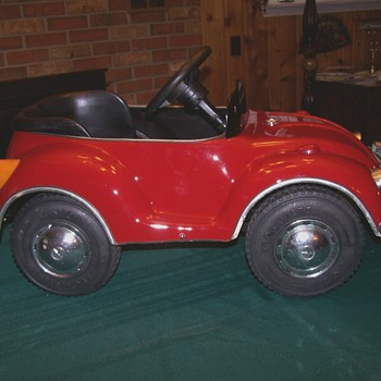 Early 70,s VW beetle pedal car - Toys