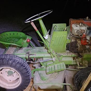 Old yard tractor - Tractors