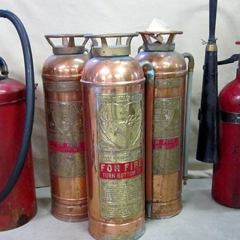 any one know what this extingusher is the one on the far left - Firefighting